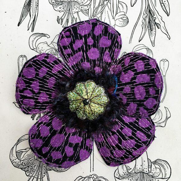 'Guinea Flower' Poppy Flower Brooch (Detail)