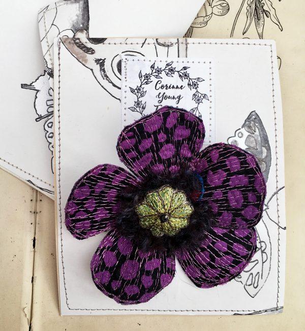 'Guinea Flower' Poppy Flower Brooch (Pouch)